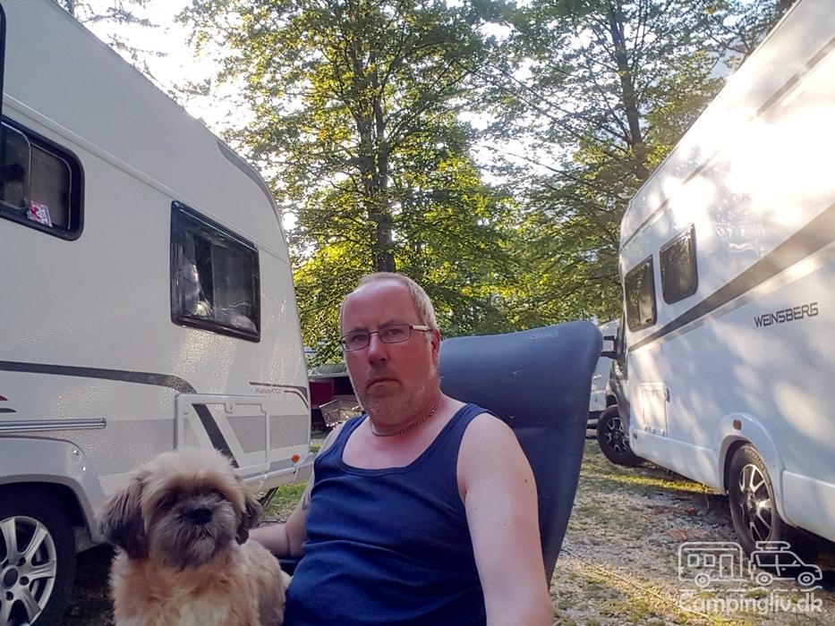 Camping-Zlatorog_No_camping_rules